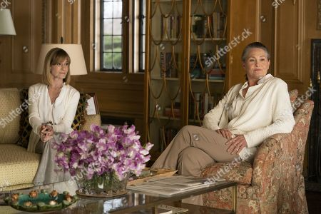 Stock Picture of Holly Hunter as Rhea Jarrell and Cherry Jones as Nan Pierce