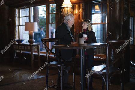 Brian Cox as Logan Roy and Holly Hunter as Rhea Jarrell