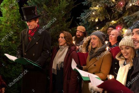 Stock Image of Denis Leary as Sean Moody Sr., Elizabeth Perkins as Ann Moody, Chelsea Frei as Bridget Moody and Francois Arnaud as Dan Moody