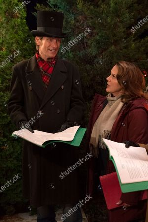 Denis Leary as Sean Moody Sr. and Elizabeth Perkins as Ann Moody