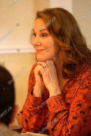 Elizabeth Perkins as Ann Moody
