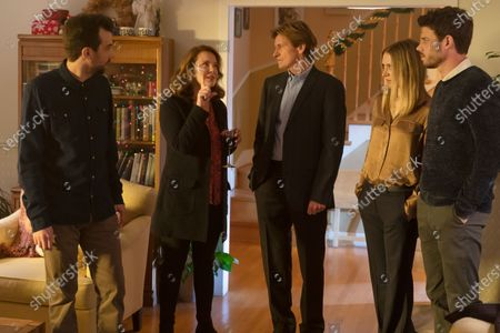Jay Baruchel as Sean Moody Jr., Elizabeth Perkins as Ann Moody, Denis Leary as Sean Moody Sr., Chelsea Frei as Bridget Moody and Francois Arnaud as Dan Moody
