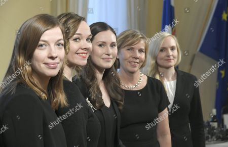 Minister of Education Li Andersson, Minister of Finance Katri Kulmuni, Prime Minister Sanna Marin, Minister of Interior Maria Ohisalo, Minister of Justice Anna-Maja Henriksson and Minister of Interior Maria Ohisalo posing during a photo session at the Government Palace in Helsinki