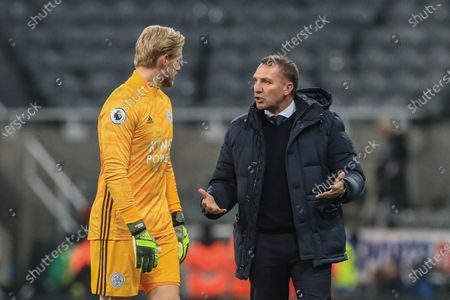 1st January 2020, St. James's Park, Newcastle, England; Premier League, Newcastle United v Leicester City : Brendan Rodgers manager of Leicester City and Kasper Schmeichel (1) of Leicester City chat after Leicester win 0-3Credit: Mark Cosgrove/News Images