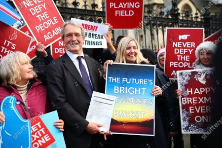 Owen Paterson and Andrea Jenkyns join Brexit supporters outside parliament after MPs voted to pass the Withdrawal Agreement Bill.