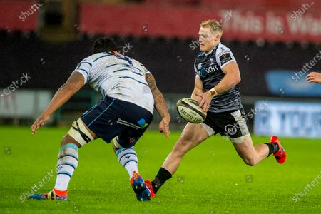 Aled Davies of Ospreys in action