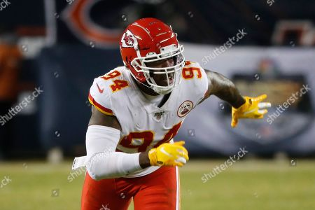 Kansas City Chiefs outside linebacker Terrell Suggs (94) plays against the Chicago Bears in the second half of an NFL football game in Chicago