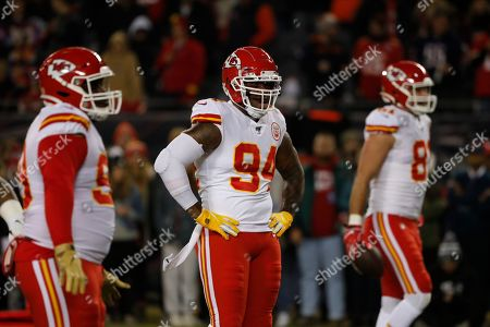 Kansas City Chiefs outside linebacker Terrell Suggs (94) warms up before an NFL football game against the Chicago Bears in Chicago