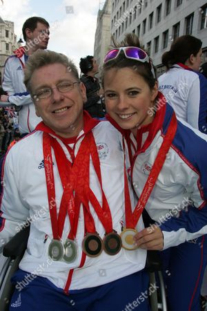 Jim Anderson & Liz Johnson At The Olympic Parade. Picture By Glenn Copus