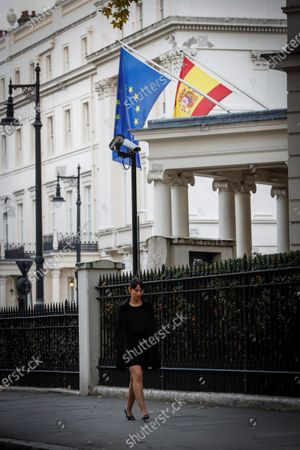 Spanish Silvia Gonzalez walks up a street in London in October 2019 (issued 26 December 2019). Silvia decided to move to Newport in Wales back in 2015 and now works at the city's Town Hall chairing the waste management and cleaning department. Silvia is part of the initiative 'The3Million', an association of EU citizens living in the UK that fight for their rights and against discrimination demanding a settled status in Britain. About three million EU citizens living in the United Kingdom, which is due to leave the European Union by 31 January 2020, will be affected by the so-called Brexit. The deadline for the Withdrawal Agreement has been postponed several times since Britain invoked Article 50 of the Treaty on European Union on 29 March 2017, nine months after a referendum about the UK's membership in the EU was held.