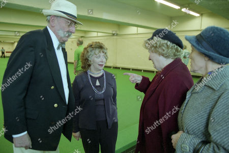 Ep 3095 Monday 21st January 2002 Betty's suspicion that Seth is having an affair and decides to follow him to his bowling match, and is left heartbroken by the scene that awaits her. With Seth Armstrong, as played by Stan Richards ; Agatha Commons, as played by Angela Crow ; Betty Eagleton, as played by Paula Tilbrook ; Edna Birch, as played by Shirley Stelfox.
