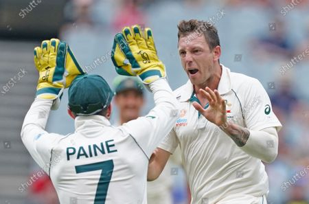 James Pattinson of Australia is congratulated by his teammates after dismissing BJ Watling of New Zealand on day three of the Boxing Day Test match between Australia and New Zealand at the Melbourne Cricket Ground (MCG) in Melbourne, Australia, 28 December 2019.