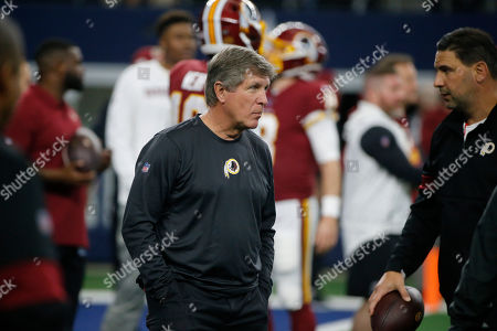 Washington Redskins head coach Bill Callahan before an NFL football game against the Dallas Cowboys in Arlington, Texas