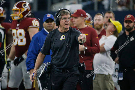 Washington Redskins head coach Bill Callahan during the first half of an NFL football game against the Dallas Cowboys in Arlington, Texas