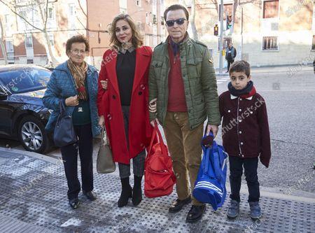 Jose Ortega Cano, Maria Aldon E Hijo with family