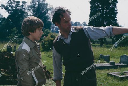 Matthew Blakstad as James and Geoffrey Beevers as Gravedigger