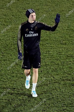 Real Madrid's Toni Kroos greets supporters following the team's first training session after the Christmas break at the Alfredo Di Stefano sports complex in Madrid, Spain, 30 December 2019.