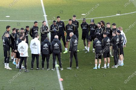 Real Madrid's players attend the team's first training session after the Christmas recess at the Alfredo Di Stefano sports complex in Madrid, Spain, 30 December 2019.