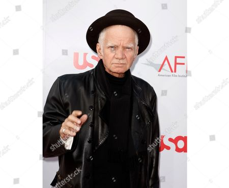 """Actor Michael Pollard arrives at the American Film Institute Life Achievement Award dinner honoring Warren Beatty in Los Angeles on . Pollard, who starred in the film """"Bonnie and Clyde,"""" died on Nov. 20 at age 80"""