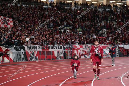 David Villa of Vissel Kobe celebrate after the final whistle