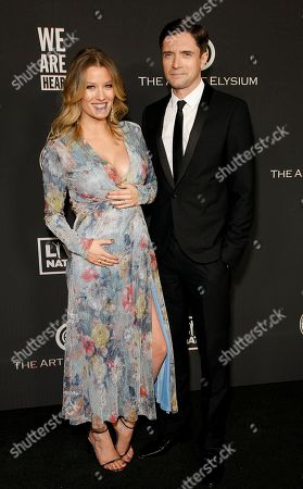 Ashley Hinshaw and Topher Grace