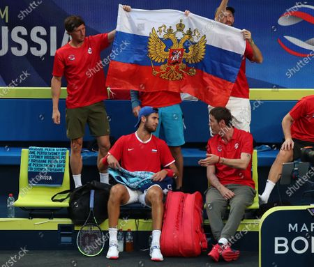 Karen Khachanov of Russia speaks to Marat Safin, team captain of Russia during his game against Taylor Fritz of the USA during day 3 of the ATP Cup tennis tournament at the RAC Arena in Perth, Australia, 05 January 2020.