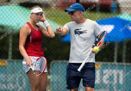 Anett Kontaveit of Estonia with coach Nigel Sears during practice ahead of the 2020 Brisbane International WTA Premier tennis tournament