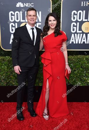 Peter Krause, Lauren Graham. Peter Krause, left, and Lauren Graham arrive at the 77th annual Golden Globe Awards at the Beverly Hilton Hotel, in Beverly Hills, Calif