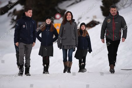 Prince Vincent, Prince Christian, Princess Isabella, Crown Princess Mary, Princess Josephine, Crown Prince Frederik