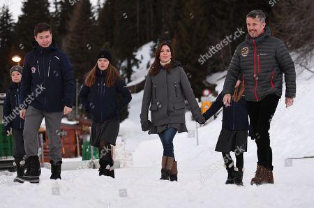Prince Vincent, Prince Christian, Princess Isabella, Crown Princess Mary, Princess Josephine, Crown Prince Frederik