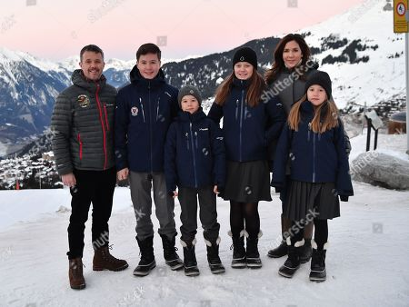 Crown Prince Frederik, Prince Christian, Prince Vincent, Princess Isabella, Crown Princess Mary, Princess Josephine