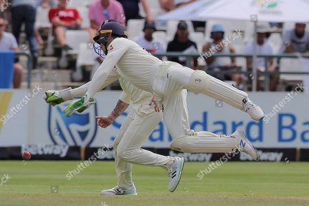 England's wicketkeeper Jos Buttler narrowly misses catching out South Africa's Dean Elgar during day four of the second cricket test between South Africa and England at the Newlands Cricket Stadium in Cape Town, South Africa
