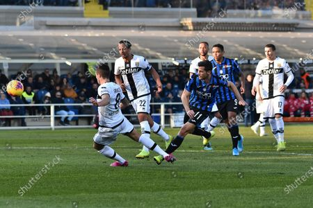 Atalanta's Remo Freuler scores the 2-0 lead during the Italian Serie A soccer match Atalanta BC vs Parma Calcio at the Gewiss Stadium in Bergamo, Italy, 06 January 2020.