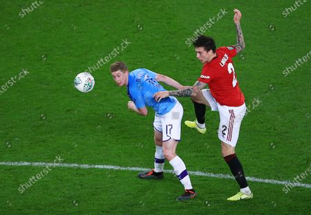 Kevin De Bruyne of Manchester City and Victor Lindelof of Manchester United