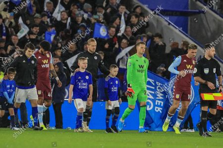 8th January 2020, King Power Stadium, Leicester, England; Carabao Cup, Semi-final,  Leicester City v Aston Villa : Kasper Schmeichel (1) of Leicester City leads his team out ahead of kick-offCredit: Mark Cosgrove/News Images