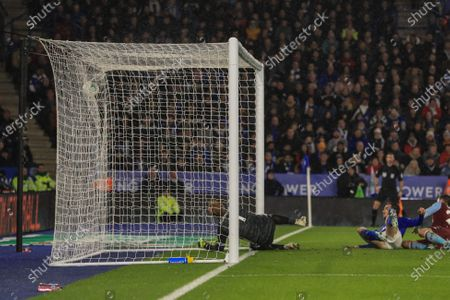 8th January 2020, King Power Stadium, Leicester, England; Carabao Cup, Semi-final,  Leicester City v Aston Villa : Frederic Guilbert (24) of Aston Villa y slots one past Kasper Schmeichel (1) of Leicester City to make it 0-1 to Villa Credit: Mark Cosgrove/News Images