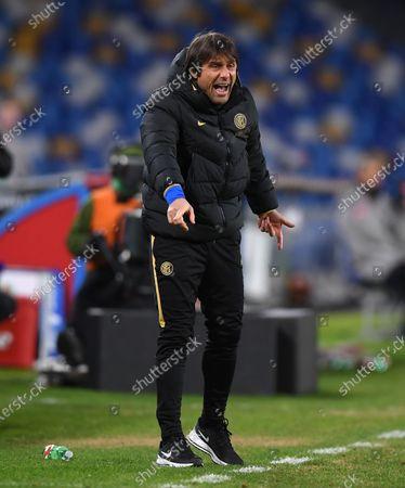 FC Inter's head coach Antonio Conte gestures