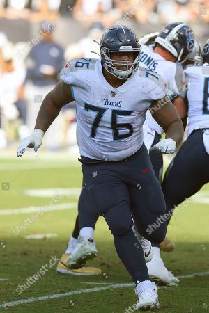 Tennessee guard Rodger Saffold defends a play during the Titans 42-21 win against the Oakland Raiders in a NFL football game in Oakland, CA