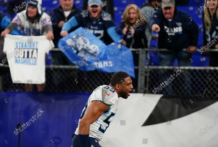 Wesley Woodyard, Linebacker of the Tennessee Titans (59), celebrates after the game