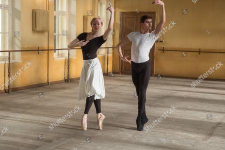 Mar Sodupe as Helena Romero and Oleg Ivenko as Rudolf Nureyev