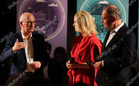 (L-R) The leading candidate of the German Social Democratic Party (SPD) for the state elections in Hamburg and First Mayor, Peter Tschentscher, he state governor of Mecklenburg-Vorpommern, Manuela Schwesig, and the state governor of Lower Saxony, Stephan Weil, during the campaign start of the SPD in Hamburg, northern Germany, 08 January 2020. The state elections in Hamburg will be held on 23 February.