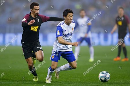 Hernan Santana of Real Sporting Gijon and Shinji Kagawa of Real Zaragoza