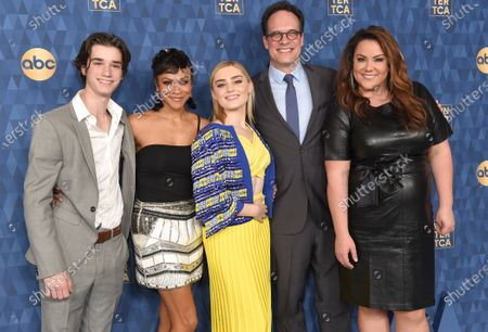 Daniel DiMaggio, Carly Hughes, Meg Donnelly, Diedrich Bader and Katy Mixon
