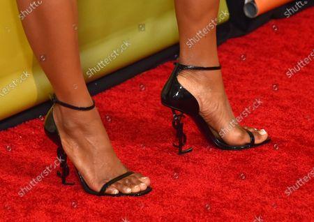 Yaya DaCosta, shoe detail