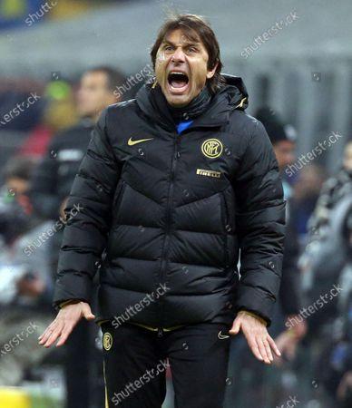 Inter Milan's head coach Antonio Conte reacts during the Italian Serie A soccer match  Fc Inter vs Atalanta Bc  at Giuseppe Meazza stadium in Milan, Italy, 11 January 2020.