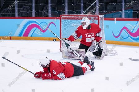 Stock Photo of Ice Hockey 3on3 - Qualification Day 2, save from Goalkeeper Matthias Bittner (GER/Red Team).