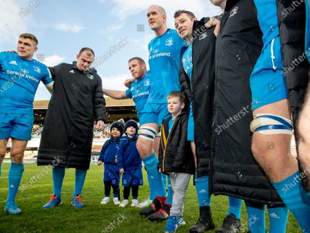 Leinster vs Lyon. Leinster's Sean Cronin with his twin boys Cillian and Finn alongside Johnny Sexton's son Luca in the team huddle after the game