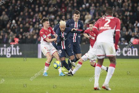 Neymar Jr of PSG battled for the ball with Thomas Meunier of PSG, Aleksandr Gloving of Monaco, Cesc Fabregas of Monaco and  Fode Ballo-Toure of Monaco