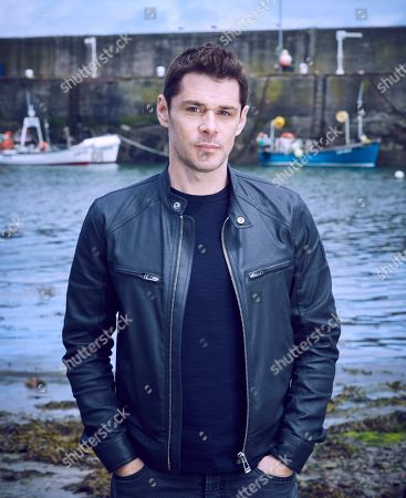 Kenny Doughty as DS Aiden Healy.
