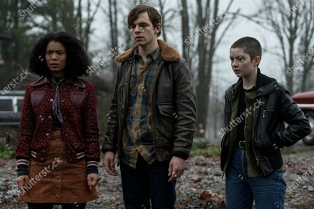 Jaz Sinclair as Rosalind Walker, Ross Lynch as Harvey Kinkle and Lachlan Watson as Susie Putnam/Theo Putnam